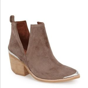 NWOT Jeffrey Campbell booties